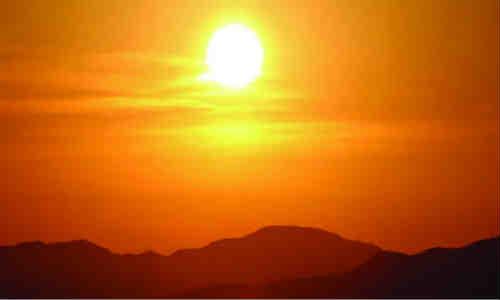 日出-见于一个无比幸福的早晨 在黑暗的尽头