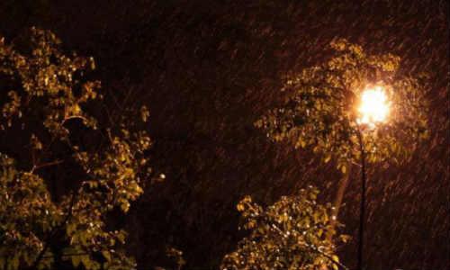 亚君现代诗歌原创-雨夜