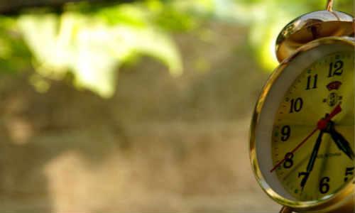 亚君原创现代诗歌两首-生活、晌午时光