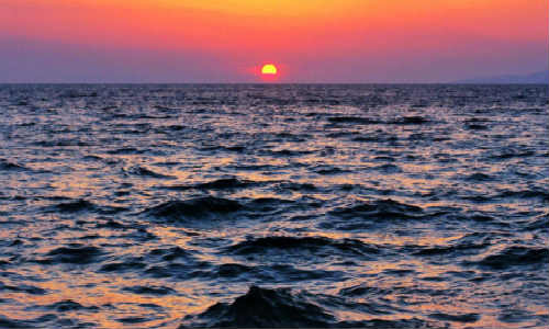 描写海洋、咸海、老人的海的现代诗歌