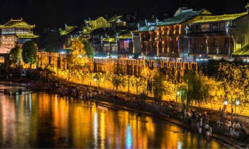 [王宇航] 现代诗歌投稿作品三首-边城、月光,照在村子里、戈壁玉